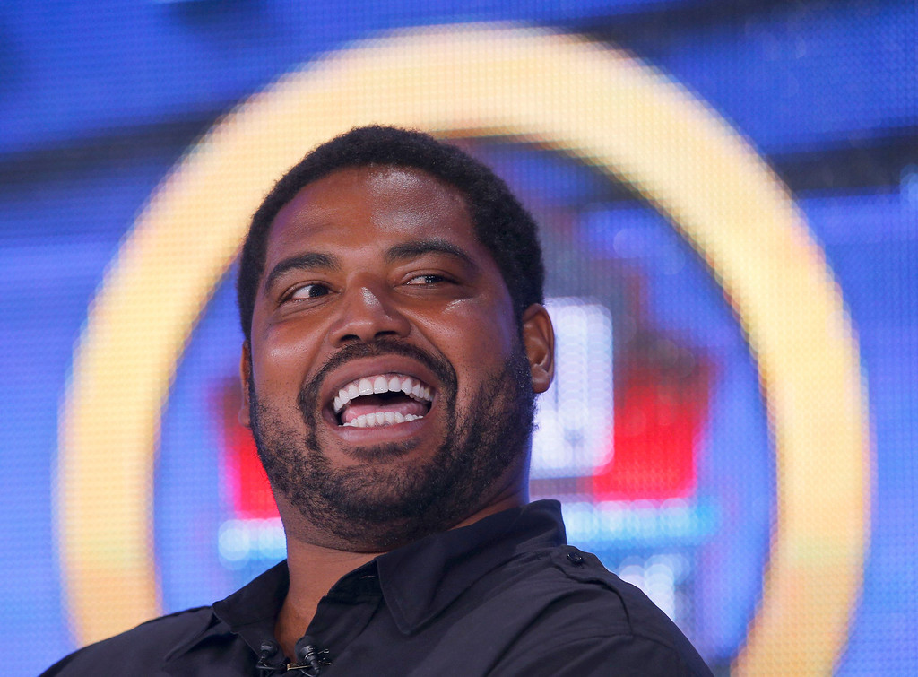 Description of . Former Baltimore Ravens player Jonathan Ogden is interviewed after being named to the Pro Football Hall of Fame at the 2013 Class of Enshrinement show in New Orleans, Louisiana, February 2, 2013.    REUTERS/Brian Snyder