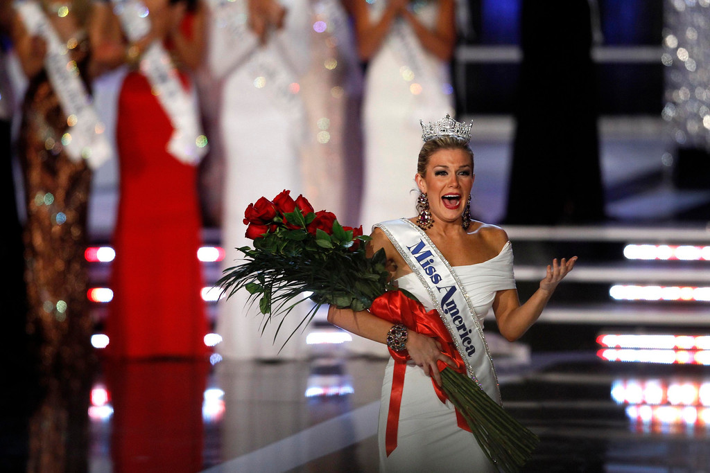 Description of . Miss New York Mallory Hytes Hagan, 23, reacts after being crowned Miss America 2013 during the Miss America Pageant in Las Vegas January 12, 2013. REUTERS/Steve Marcus (UNITED STATES - Tags: ENTERTAINMENT TPX IMAGES OF THE DAY)