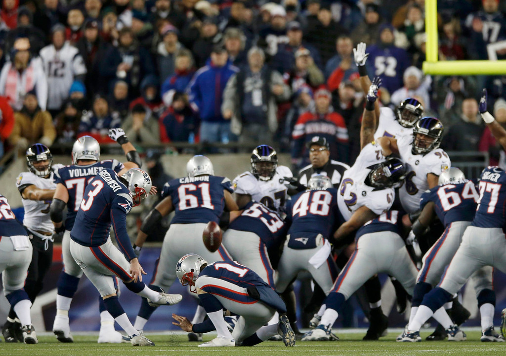 Description of . New England Patriots kicker Stephen Gostkowski (3) kicks a first quarter field goal against the Baltimore Ravens in the NFL AFC Championship football game in Foxborough, Massachusetts, January 20, 2013. REUTERS/Mike Segar
