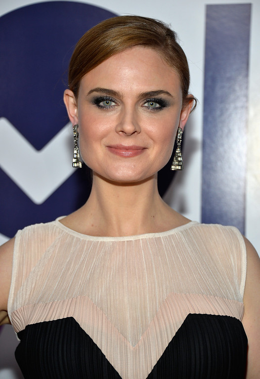 Description of . LOS ANGELES, CA - JANUARY 08:  Actress Emily Deschanel attends The 40th Annual People's Choice Awards at Nokia Theatre L.A. Live on January 8, 2014 in Los Angeles, California.  (Photo by Frazer Harrison/Getty Images for The People's Choice Awards)