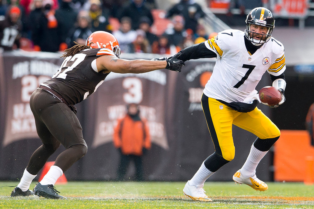 Description of . Outside linebacker Jabaal Sheard #97 of the Cleveland Browns gets a hand on quarterback Ben Roethlisberger #7 of the Pittsburgh Steelers during the first half at FirstEnergy Stadium on November 24, 2013 in Cleveland, Ohio. (Photo by Jason Miller/Getty Images)