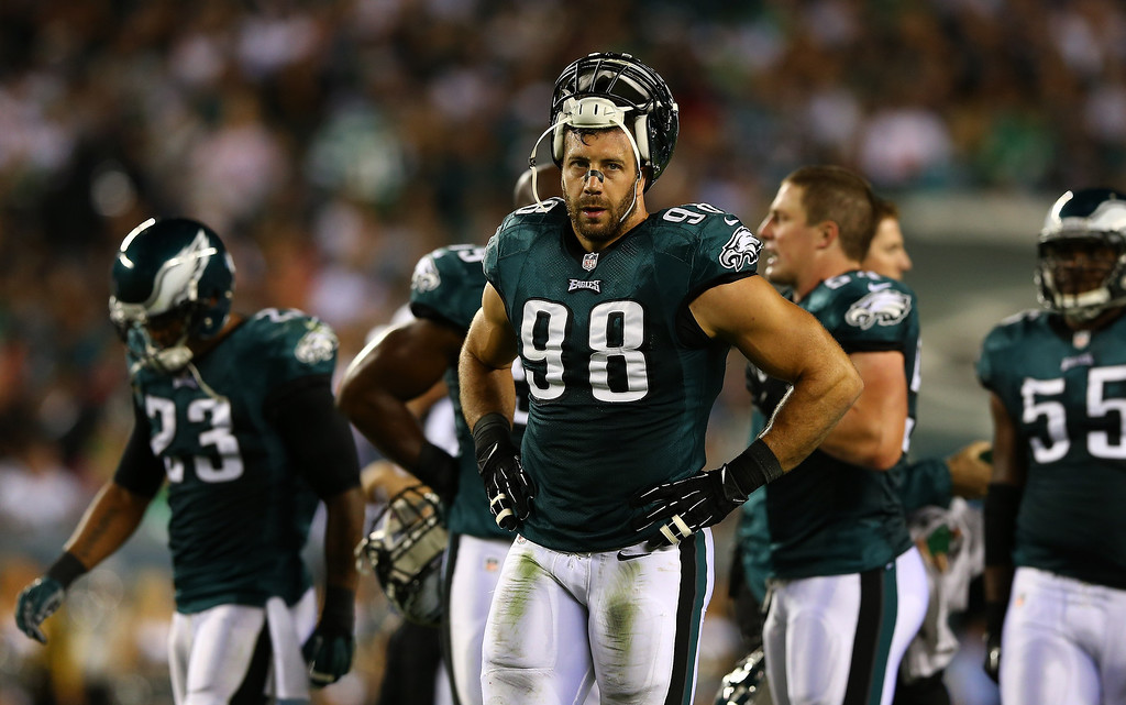 Description of . Connor Barwin #98 of the Philadelphia Eagles looks on at the end of the first quarter against the Kansas City Chiefs at Lincoln Financial Field on September 19, 2013 in Philadelphia, Pennsylvania.  (Photo by Elsa/Getty Images)