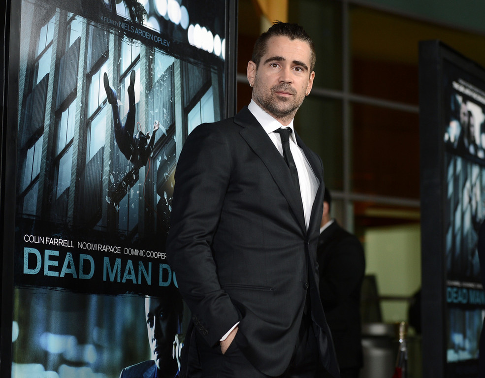 Description of . Actor Colin Farrell arrives to the premiere of FilmDistricts's