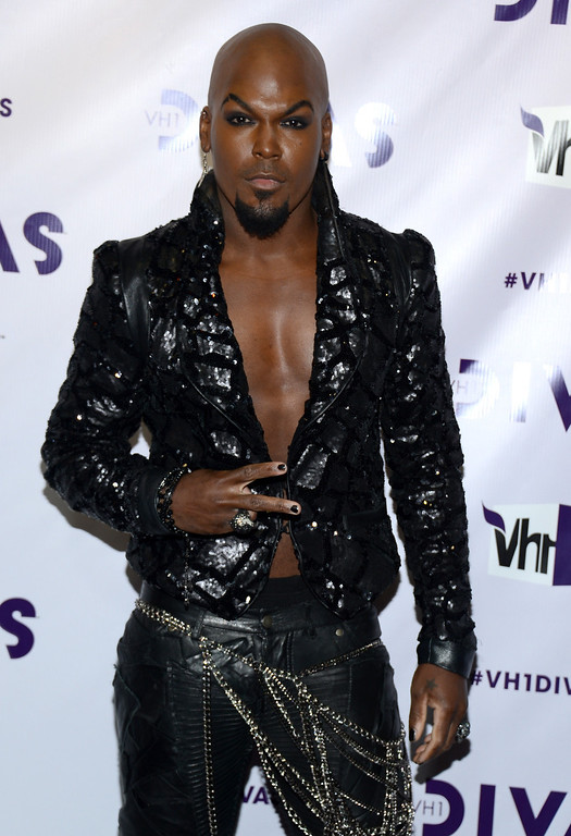Description of . LOS ANGELES, CA - DECEMBER 16:  Actor/singer KraVen Tionne attends