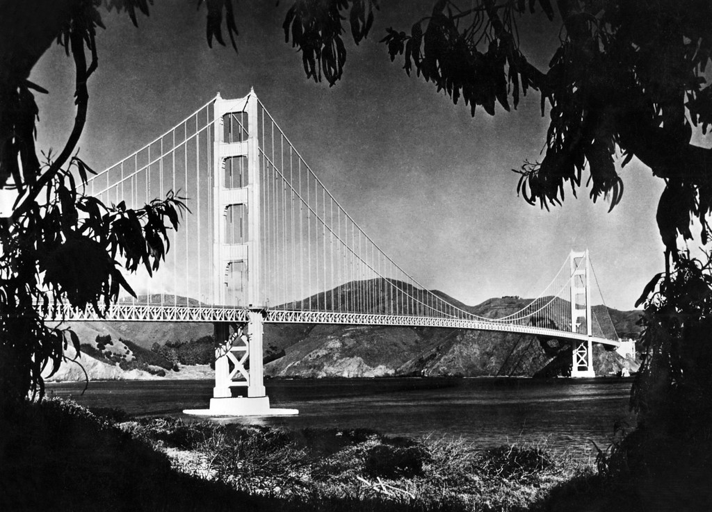 Description of . Picture dated 1950's of the Golden Gate bridge, in the San Francisco Bay. (OFF/AFP/Getty Images)