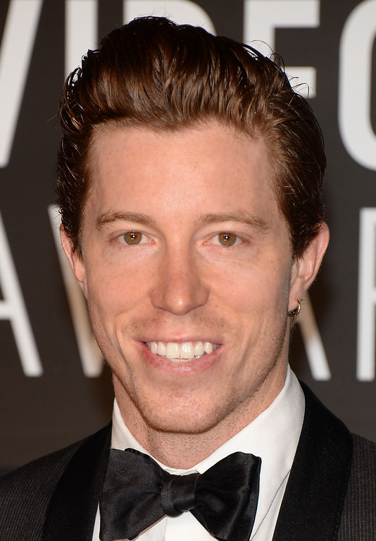 Description of . Shaun White attends the 2013 MTV Video Music Awards at the Barclays Center on August 25, 2013 in the Brooklyn borough of New York City.  (Photo by Jamie McCarthy/Getty Images for MTV)