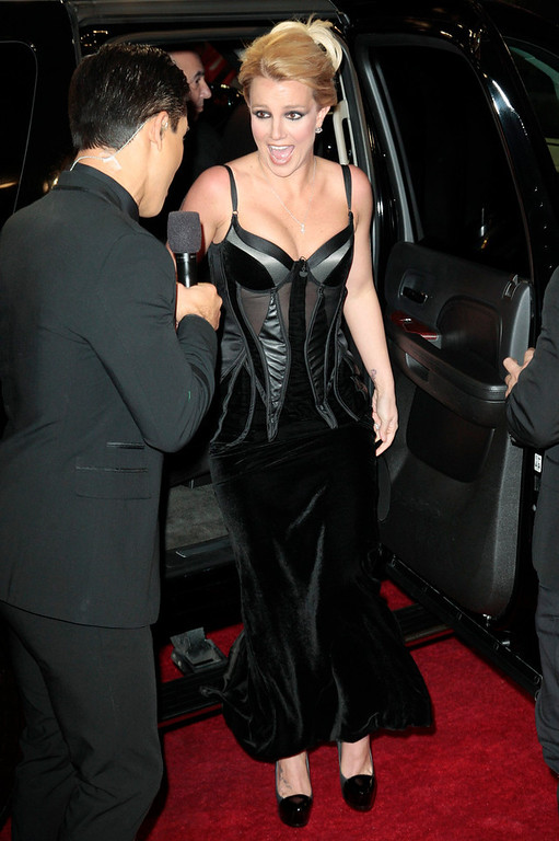 ". Singer Britney Spears arrives for Fox\'s ""The X Factor\"" Season Finale - Night 2 at CBS Television City in Los Angeles, California December 20, 2012. REUTERS/Jason Redmond"