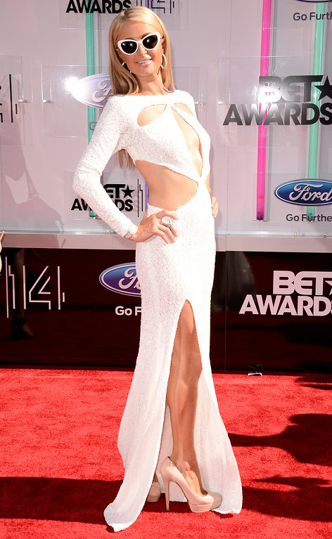 Description of . Paris Hilton arrives at the BET Awards at the Nokia Theatre on Sunday, June 29, 2014, in Los Angeles. (Photo by Dan Steinberg/Invision/AP)