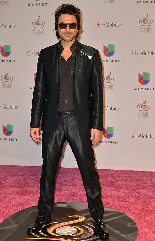 Description of . Beto Cuevas arrives at the 25th Anniversary Of Univision's