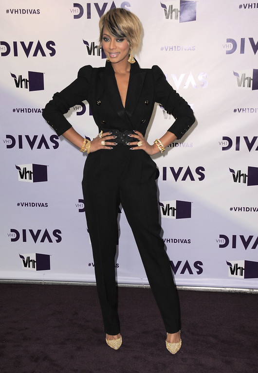 Description of . Keri Hilson arrives at VH1 Divas on Sunday, Dec. 16, 2012, at the Shrine Auditorium in Los Angeles. (Photo by Jordan Strauss/Invision/AP)