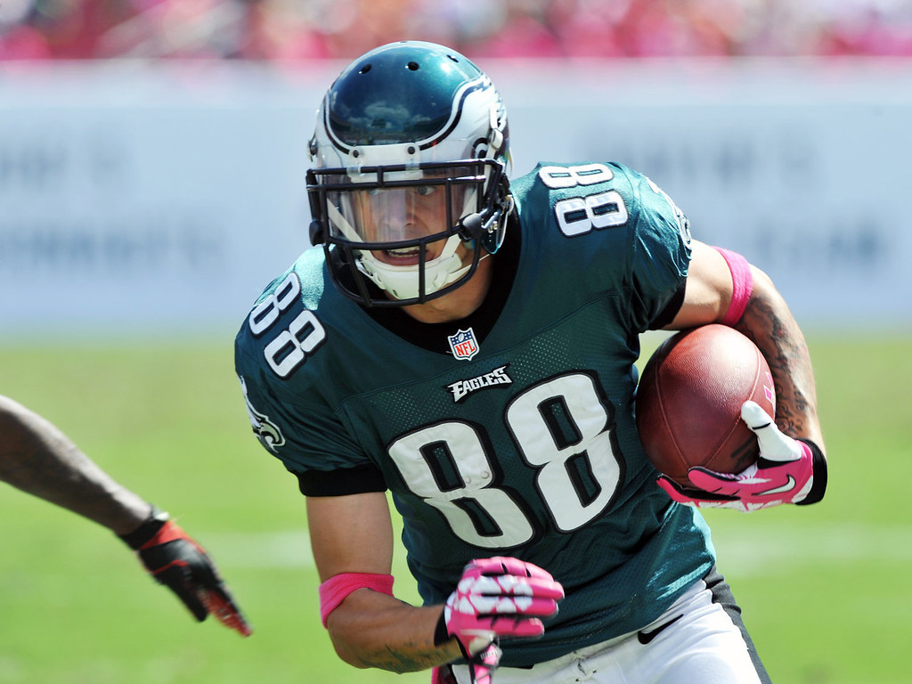Description of . Wide receiver Jeff Maehl #88 of the Philadelphia Eagles rushes upfield with a 2nd quarter pass against the Tampa Bay Buccaneers October 13, 2013 at Raymond James Stadium in Tampa, Florida. (Photo by Al Messerschmidt/Getty Images)
