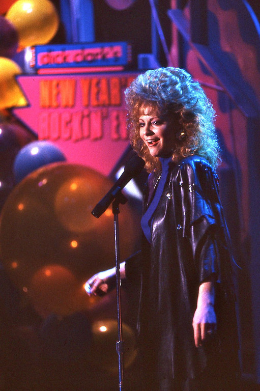 Description of . NYRE 1989 Reba McEntire