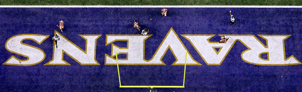 Description of . Baltimore Ravens wide receiver Anquan Boldin (81) catches a 13-yard touchdown pass during the first half of the NFL Super Bowl XLVII football game against the San Francisco 49ers, Sunday, Feb. 3, 2013, in New Orleans. (AP Photo/David J. Phillip)