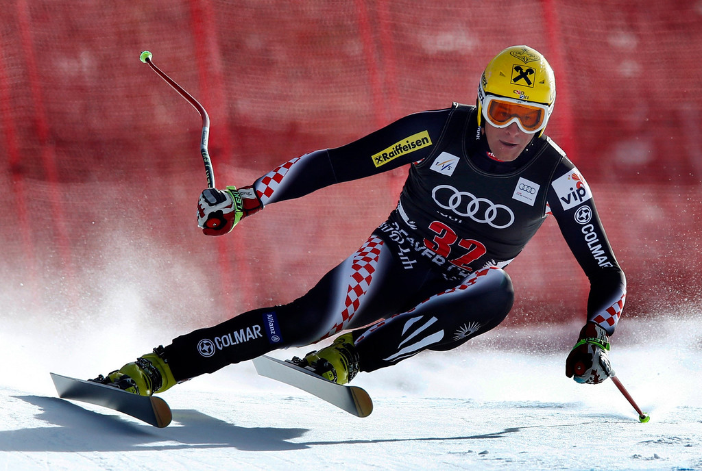 Description of . Ivica Kostelic of Croatia skis past a gate in the men's World Cup downhill ski race in Beaver Creek, Colorado, November 30, 2012. Kostelic finished 20th in the race. REUTERS/Mike Segar