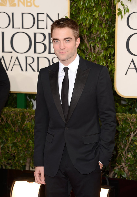 Description of . Actor Robert Pattinson arrives at the 70th Annual Golden Globe Awards held at The Beverly Hilton Hotel on January 13, 2013 in Beverly Hills, California.  (Photo by Jason Merritt/Getty Images)