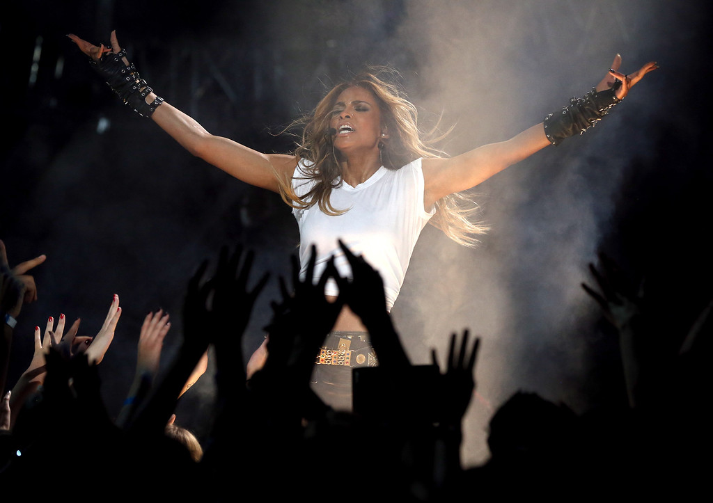 Description of . LOS ANGELES, CA - DECEMBER 16:  Singer Ciara performs onstage during