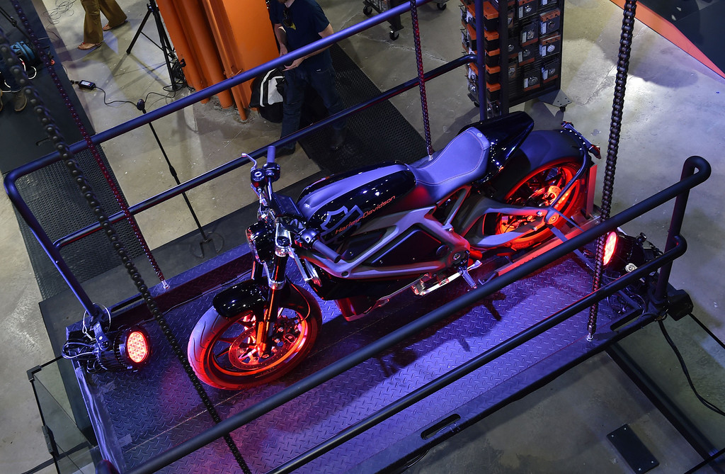 Description of . A Harley-Davidson Project LiveWire motorcycle, the company's first electric motorcycle, during a preview June 23, 2014 at a Harley-Davidson dealer in New York. AFP PHOTO/Stan  HONDA/AFP/Getty Images