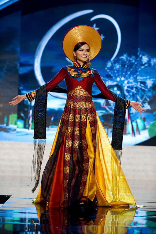 Description of . Miss Vietnam Diem Huong Luu performs onstage at the 2012 Miss Universe National Costume Show at PH Live in Las Vegas, Nevada December 14, 2012. The 89 Miss Universe Contestants will compete for the Diamond Nexus Crown on December 19, 2012. REUTERS/Darren Decker/Miss Universe Organization/Handout