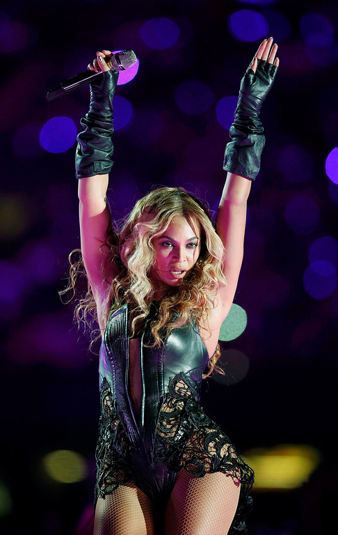 Description of . Beyonce performs during the half-time show of the NFL Super Bowl XLVII football game in New Orleans, Louisiana, February 3, 2013.  REUTERS/Lucy Nicholson