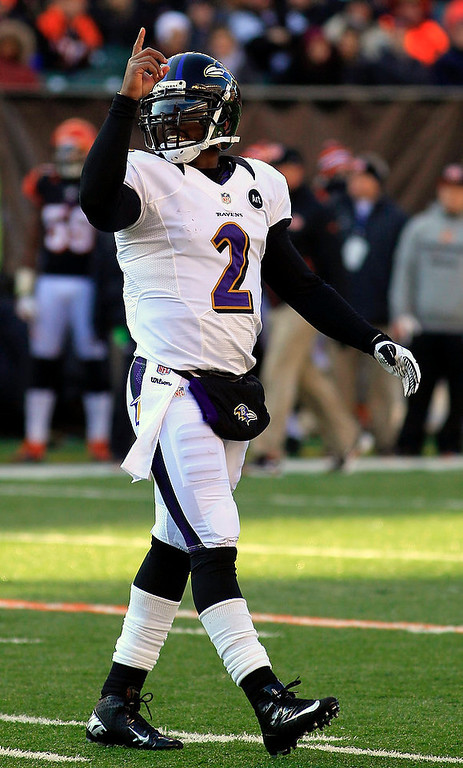 Description of . Baltimore Ravens quarterback Tyrod Taylor (2) walks off the field after the Ravens scored against the Cincinnati Bengals in the first half of an NFL football game on Sunday, Dec. 30, 2012, in Cincinnati. (AP Photo/Tom Uhlman)