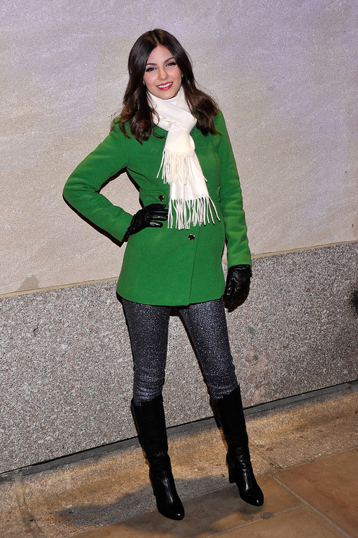 Description of . Actress/singer Victoria Justice attends the 80th Annual Rockefeller Center Christmas Tree Lighting Ceremony on November 28, 2012 in New York City.  (Photo by Stephen Lovekin/Getty Images)