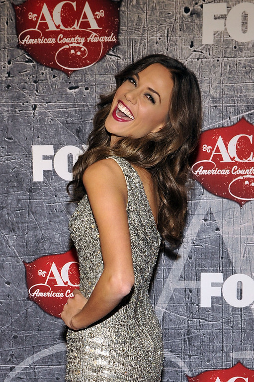 Description of . Singer Jana Kramer arrives at the American Country Awards on Monday, Dec. 10, 2012, in Las Vegas. (Photo by Jeff Bottari/Invision/AP)