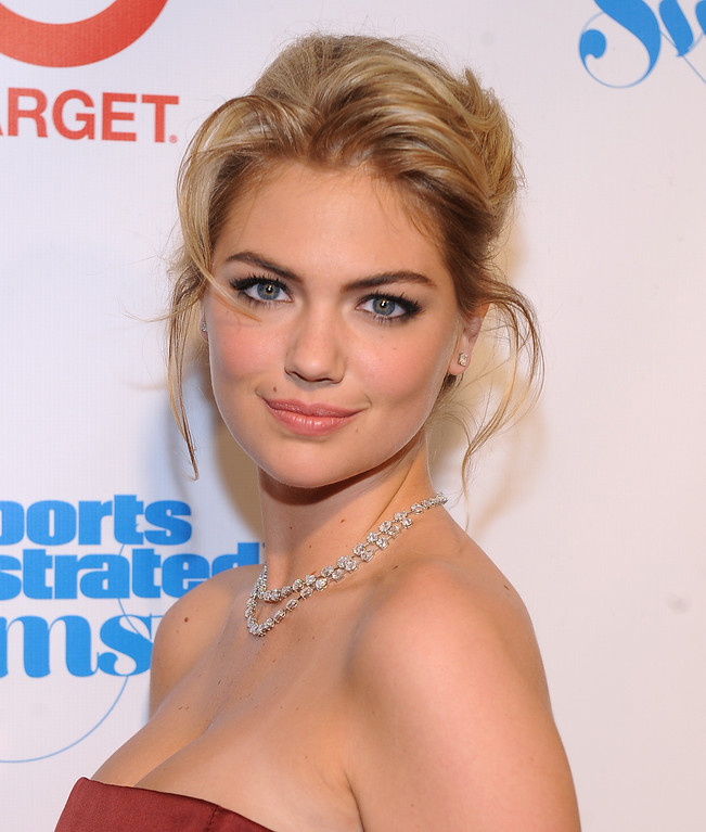 Description of . Model Kate Upton attends the 2013 Sports Illustrated Swimsuit issue launch party at Crimson on Tuesday, Feb. 12, 2013 in New York. (Photo by Brad Barket/Invision/AP)