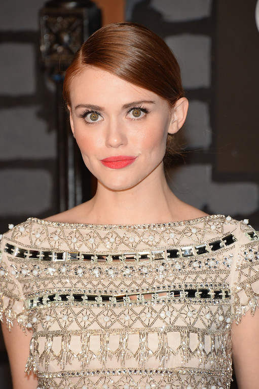 Description of . Holland Roden attends the 2013 MTV Video Music Awards at the Barclays Center on August 25, 2013 in the Brooklyn borough of New York City.  (Photo by Jamie McCarthy/Getty Images for MTV)