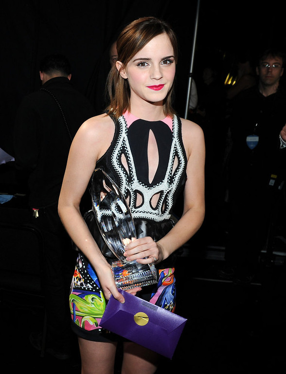 Description of . Actress Emma Watson attends the 39th Annual People\'s Choice Awards at Nokia Theatre L.A. Live on January 9, 2013 in Los Angeles, California.  (Photo by Michael Buckner/Getty Images for PCA)