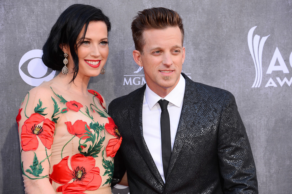 Description of . Shawna Thompson, left, and Keifer Thompson, of the musical group Thompson Square, arrive at the 49th annual Academy of Country Music Awards at the MGM Grand Garden Arena on Sunday, April 6, 2014, in Las Vegas. (Photo by Al Powers/Powers Imagery/Invision/AP)