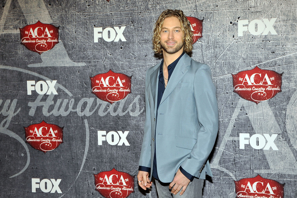 Description of . Singer Casey James arrives at the American Country Awards on Monday, Dec. 10, 2012, in Las Vegas. (Photo by Jeff Bottari/Invision/AP)