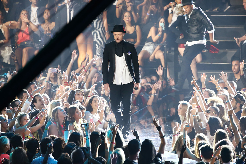 Description of . Musician Justin Timberlake performs onstage during the 2013 MTV Video Music Awards at the Barclays Center on August 25, 2013 in the Brooklyn borough of New York City.  (Photo by Neilson Barnard/Getty Images for MTV)