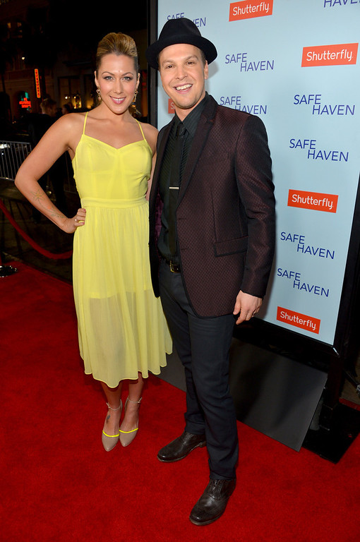 Description of . Musicians Colbie Caillat (L) and Gavin DeGraw arrive at the premiere of Relativity Media's