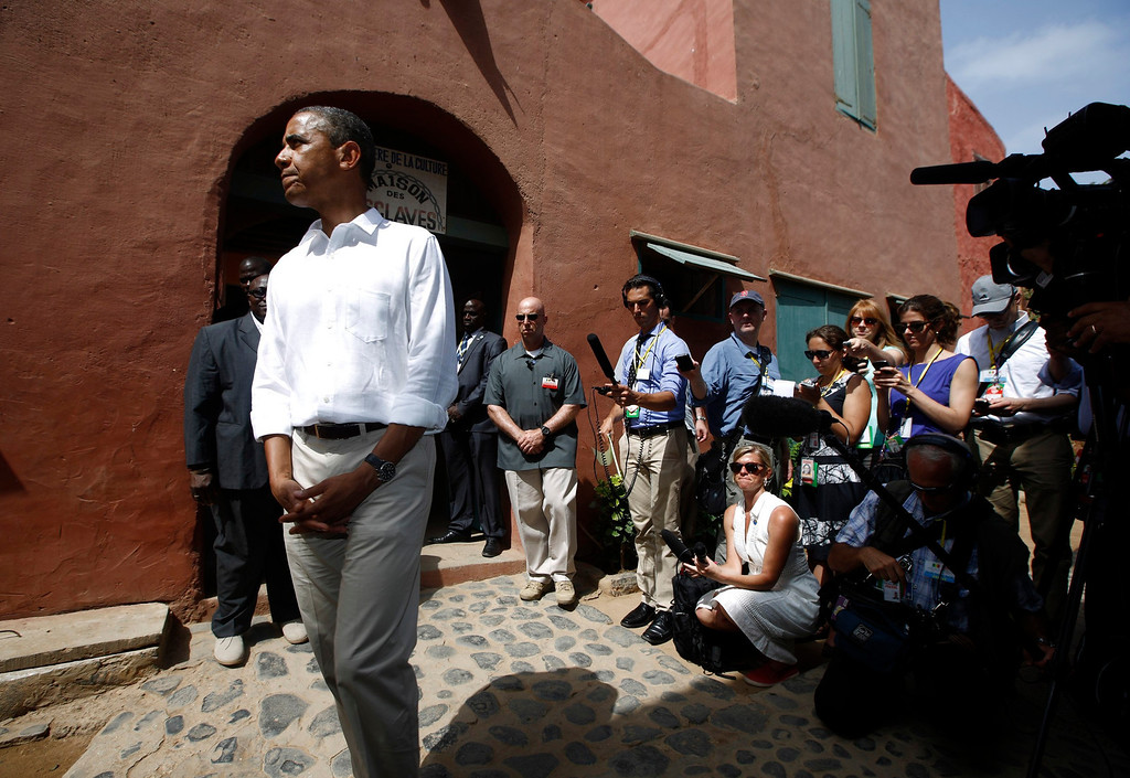 Description of . U.S. President Barack Obama visits the Maison Des Ecslaves, the gathering point where slaves were shipped west in the 1700s and 1800s, at Goree Island near Dakar, Senegal, June 27, 2013. REUTERS/Jason Reed