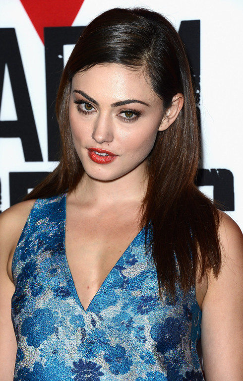 "Description of . Actress Phoebe Tonkin arrives at the premiere of Summit Entertainment\'s ""Warm Bodies\"" at ArcLight Cinemas Cinerama Dome on January 29, 2013 in Hollywood, California.  (Photo by Frazer Harrison/Getty Images)"