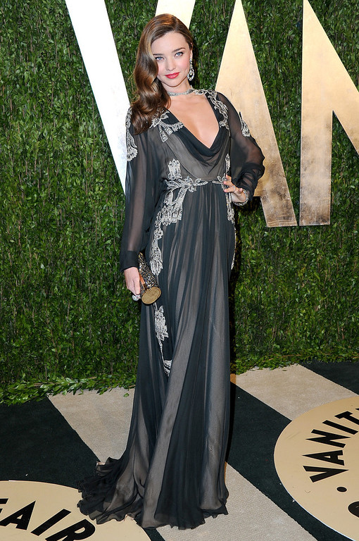 Description of . Model Miranda Kerr arrives at the 2013 Vanity Fair Oscar Party hosted by Graydon Carter at Sunset Tower on February 24, 2013 in West Hollywood, California.  (Photo by Pascal Le Segretain/Getty Images)