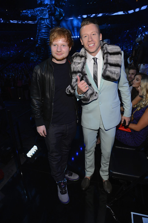 Description of . Ed Sheeran (L) and Macklemore attend the 2013 MTV Video Music Awards at the Barclays Center on August 25, 2013 in the Brooklyn borough of New York City.  (Photo by Larry Busacca/Getty Images for MTV)