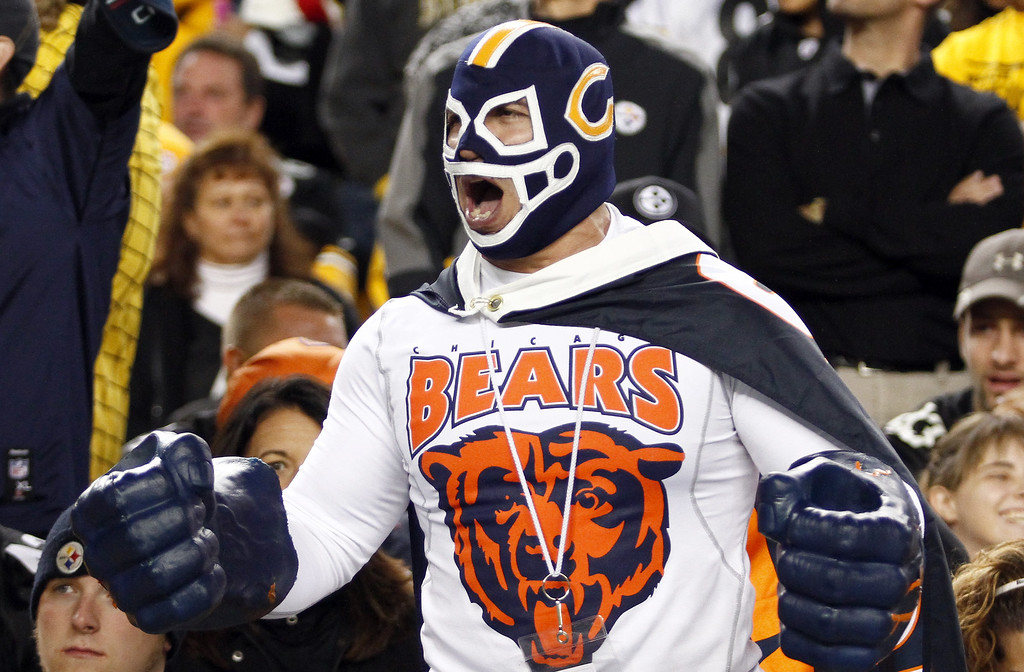 Description of . A Chicago Bears fan cheers against the Pittsburgh Steelers during the game on September 22, 2013 at Heinz Field in Pittsburgh, Pennsylvania.  (Photo by Justin K. Aller/Getty Images)