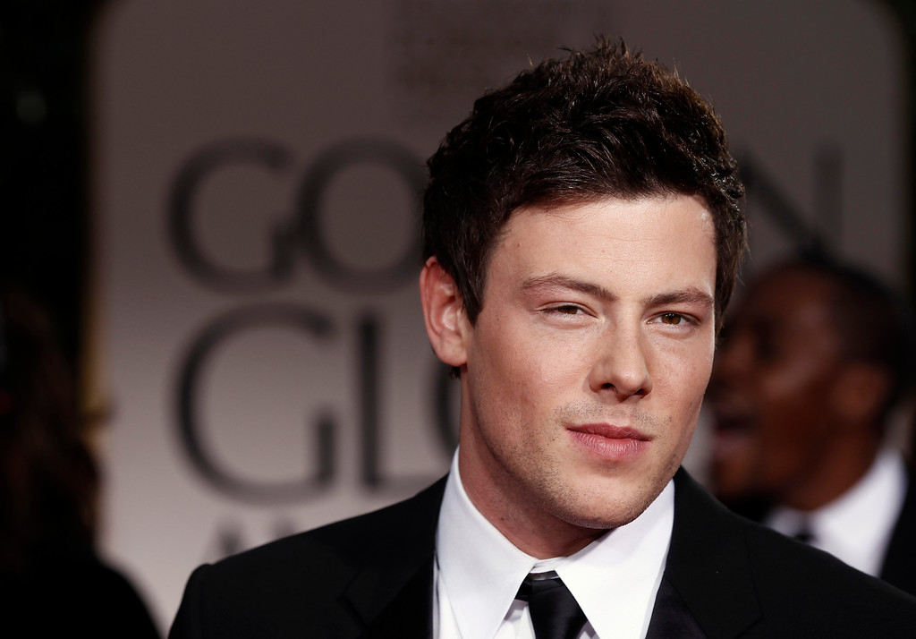 Description of . Cory Monteith arrives at the 69th Annual Golden Globe Awards Sunday, Jan. 15, 2012, in Los Angeles. (AP Photo/Matt Sayles)