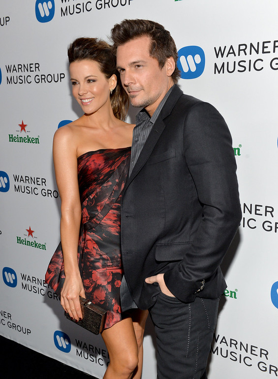 Description of . Actress Kate Beckinsale (L) and director Len Wiseman attend the Warner Music Group annual GRAMMY celebration on January 26, 2014 in Los Angeles, California.  (Photo by Michael Buckner/Getty Images for Warner Bros.)