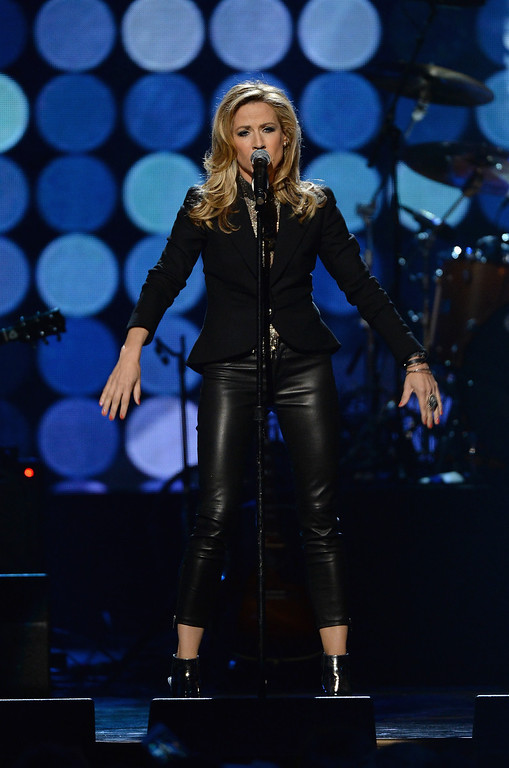 Description of . Musician Sheryl Crow performs onstage at the 29th Annual Rock And Roll Hall Of Fame Induction Ceremony at Barclays Center of Brooklyn on April 10, 2014 in New York City.  (Photo by Larry Busacca/Getty Images)