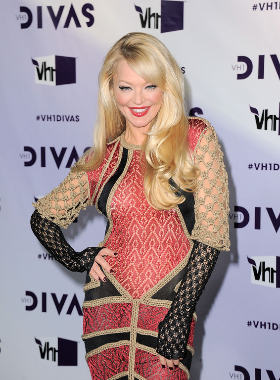 Description of . Charlotte Ross arrives at VH1 Divas on Sunday, Dec. 16, 2012, at the Shrine Auditorium in Los Angeles. (Photo by Jordan Strauss/Invision/AP)