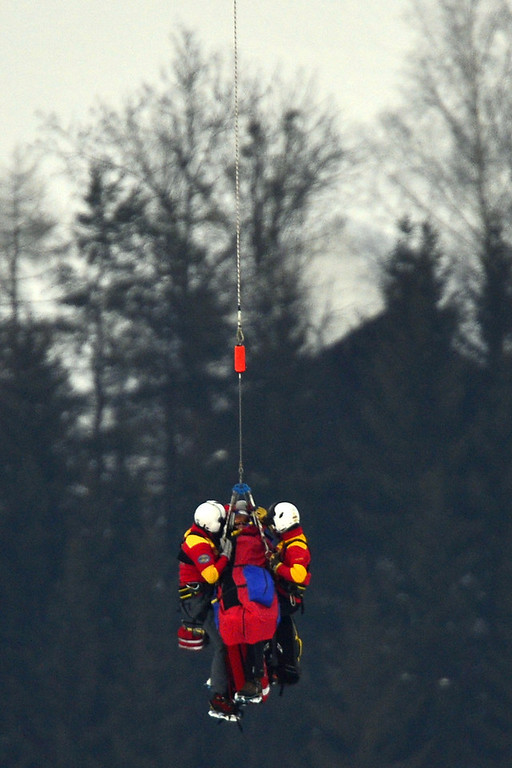 Description of . USA Lindsey Vonn is transported by helicopter after a fall during the women\'s Super-G event of the 2013 Ski World Championships in Schladming, Austria on February 5, 2013.  FABRICE COFFRINI/AFP/Getty Images