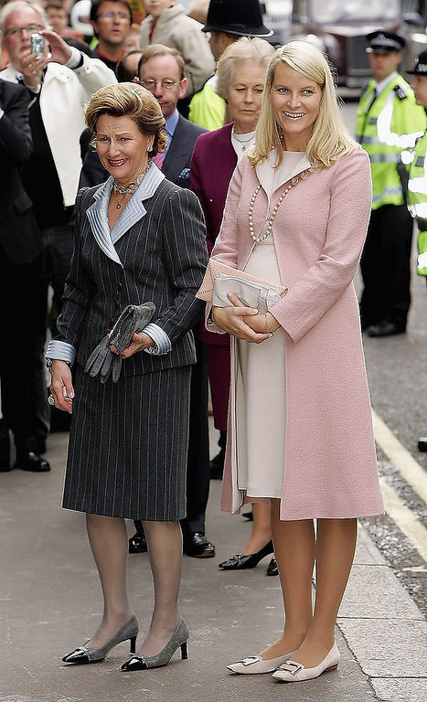 Description of . HM Queen Sonja of Norway and HRH Crown Princess Mette-Marit of Norway attend a literary luncheon at The Groucho Club as part of their 3 day visit to the UK to mark 100 years of Norway's independence from Sweden, on October 25, 2005 in London, England.  (Photo by Gareth Cattermole/Getty Images)