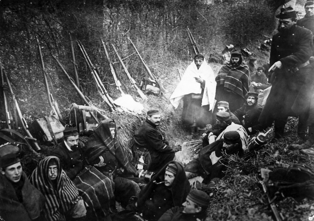 Description of . circa 1916:  Belgian Soldiers in trenches during World War I.  (Photo by Hulton Archive/Getty Images)