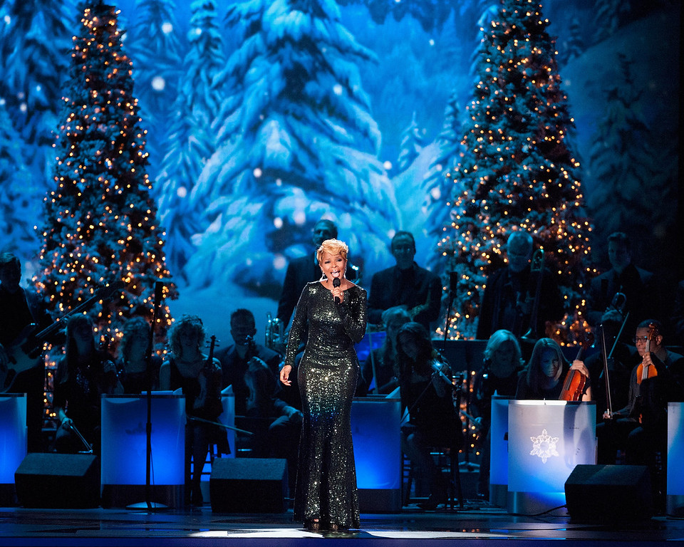 Description of . Mary J. Blige performs during the CMA 2013 Country Christmas on November 8, 2013 in Nashville, Tennessee.  (Photo by Erika Goldring/Getty Images)