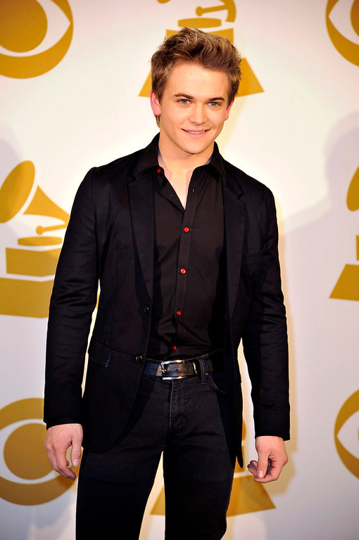Description of . Hunter Hayes poses for a photo backstage at the Grammy Nominations Concert Live! at Bridgestone Arena on Wednesday, Dec. 5, 2012, in Nashville, Tenn. (Photo by Donn Jones/Invision/AP)