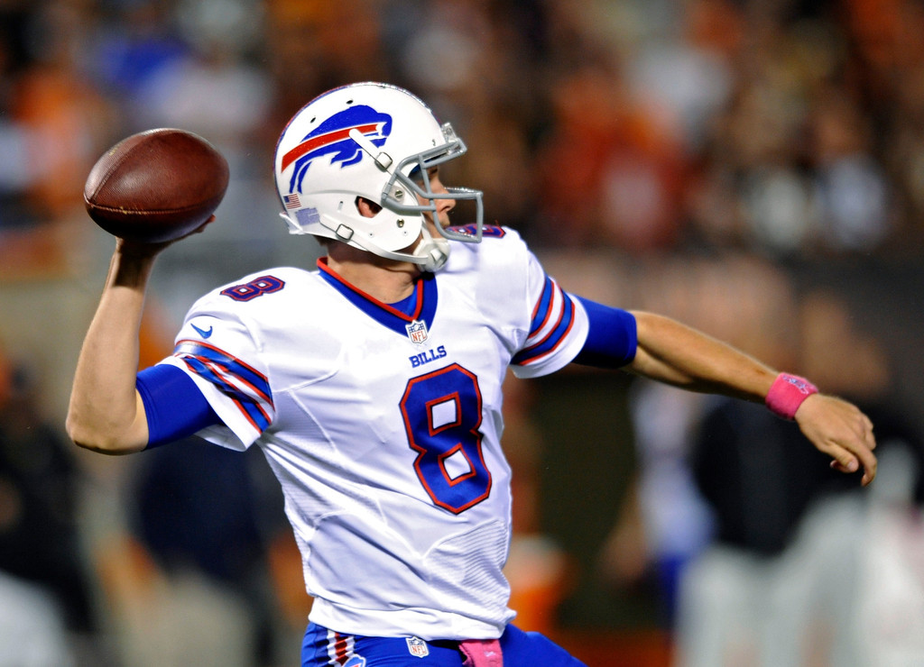 Description of . Buffalo Bills quarterback Jeff Tuel passes against the Cleveland Browns in the third quarter of an NFL football game Thursday, Oct. 3, 2013, in Cleveland. Tuel replaced starter EJ Manuel, who left with an injury. (AP Photo/David Richard)