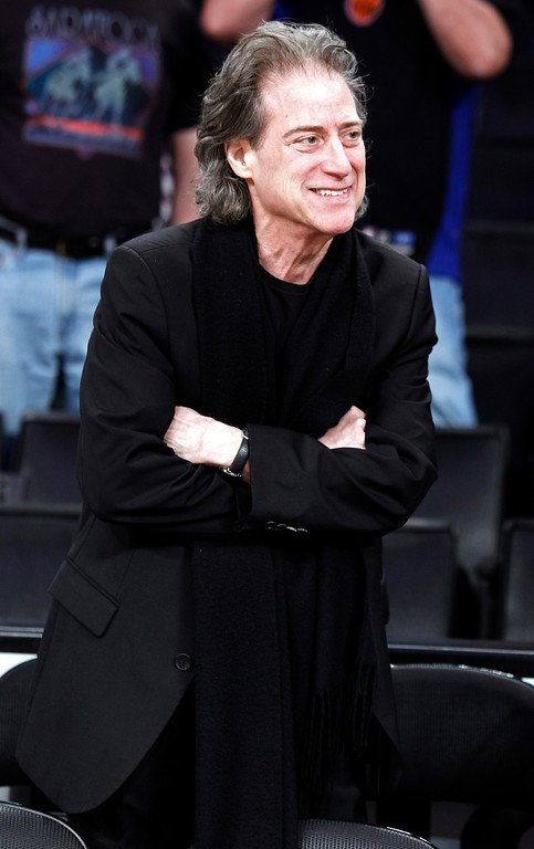 Description of . Comedian Richard Lewis attends an NBA basketball game between the Los Angeles Lakers and New York Knicks in Los Angeles, Tuesday, Dec. 25, 2012. The Lakers won 100-94. (AP Photo/Alex Gallardo)