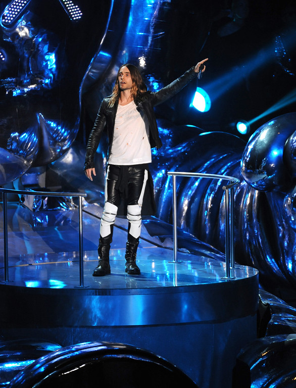 Description of . Jared Leto introduces a performance by Kanye West at the MTV Video Music Awards on Sunday, Aug. 25, 2013, at the Barclays Center in the Brooklyn borough of New York. (Photo by Scott Gries/Invision/AP)